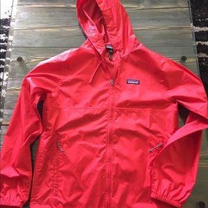 Patagonia raincoat cherry red ❤️